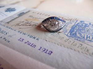 """Bague """"oeil"""", diamants et saphirs"""